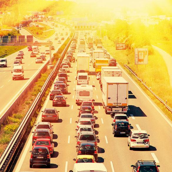 Wie man das Autofahren an heißen Tagen komfortabler gestalten kann