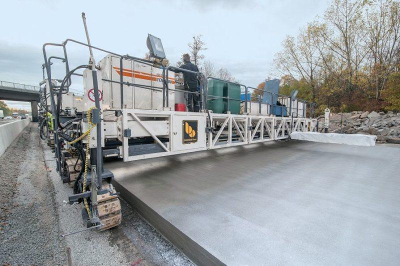Die Instandhaltung einer Betonstraße schließt lokale Reparaturen aus
