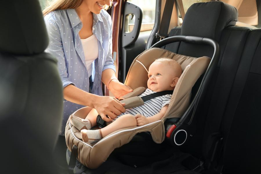 Vorschriften für die Beförderung von Kindern in einem Auto