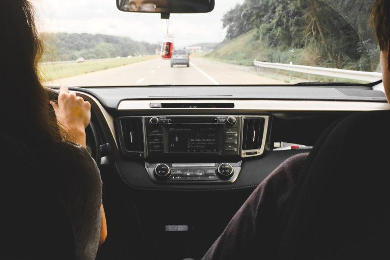 Begleites fahren mit ClickClickDrive - Quelle : Pexels
